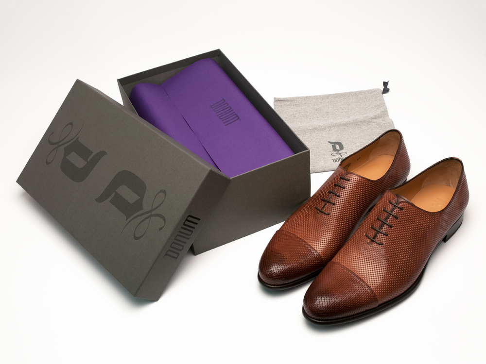 Sophisticated footwear and accessories packaging system : alternatives : branding and design agency based in nyc